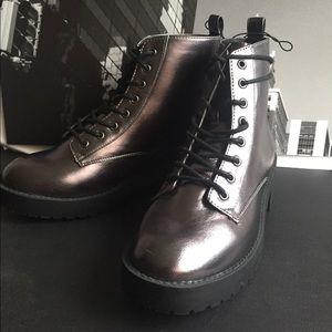 🙌🏾Brand New H&M Boots VMC